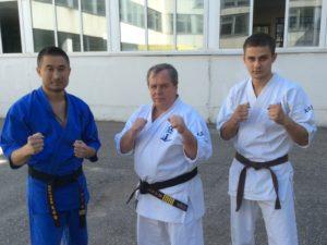 В центре на фото Владимир Ильич Зорин с белгородцами на летних учебно-тренировочных сборах 2016